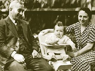 Salomon, Lore und Sidonie Hertz, ca. 1936, G. Möllenhoff